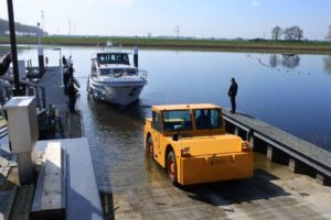 Te water lating jacht Drimmelen Yacht Center